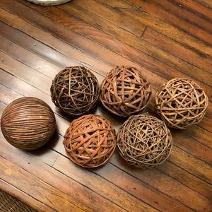 Bundle of 6 decorative spheres